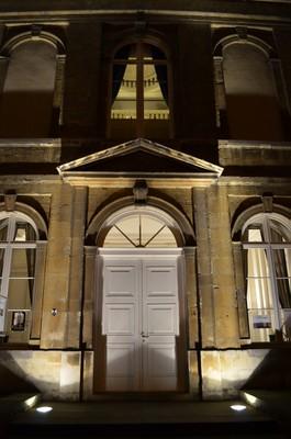 Abbaye by night